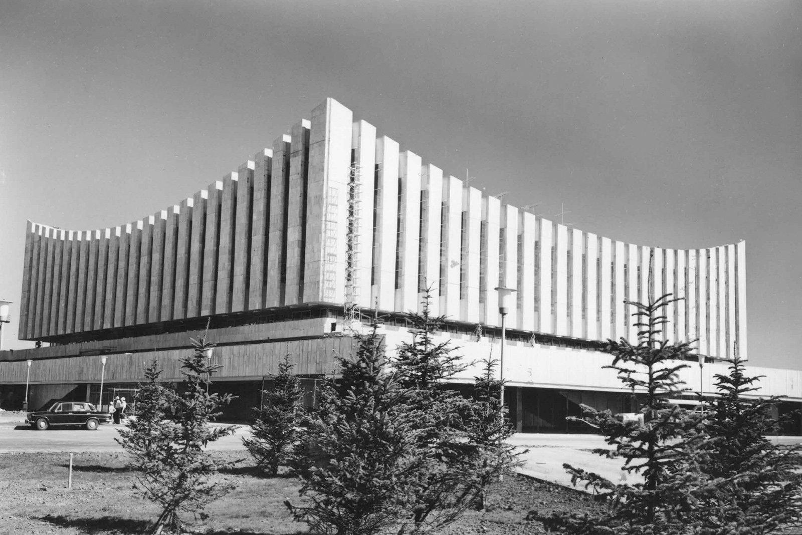 Дворец спорта «Измайлово». Автор В. Егоров. 1979 год. Главархив Москвы