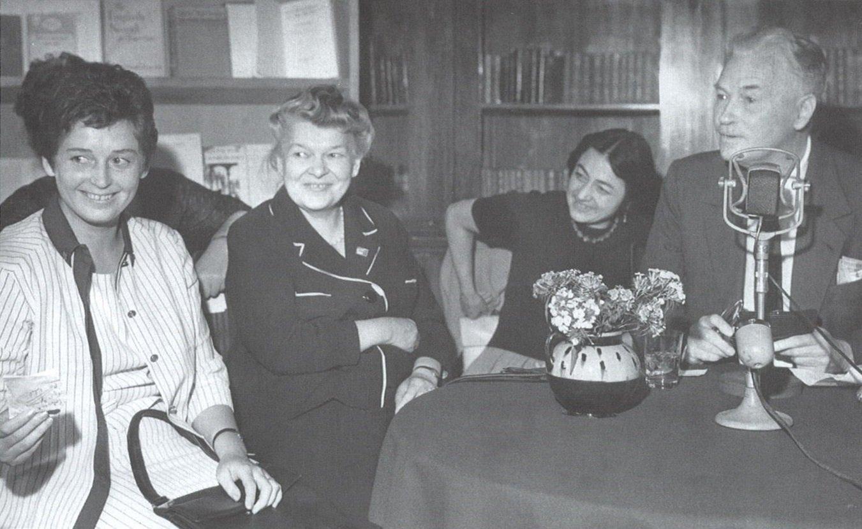 Ричард Олдингтон в гостях в ВГБИЛ. 1961 год. Главархив Москвы