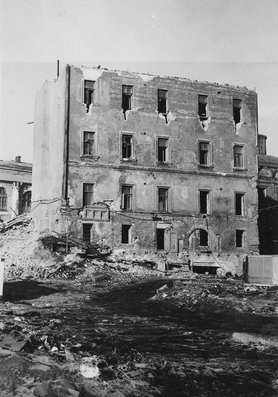 Старый Английский Двор перед реставрацией. 1960-е годы. Фото: Музей Москвы