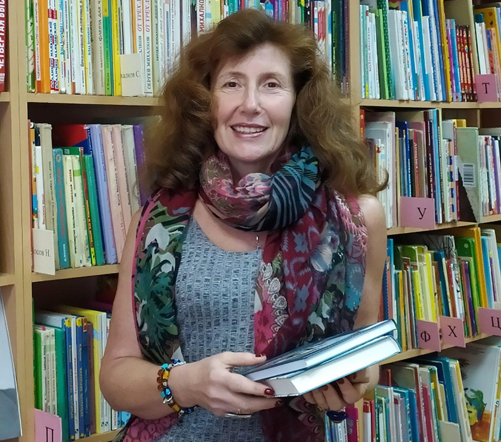 Анна Епишенкова, заведующая библиотекой № 92 — культурным центром К.И. Чуковского