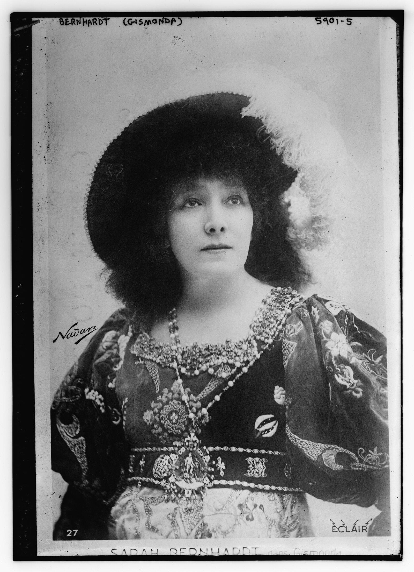 Сара Бернар в роли принца Гамлета. 1899 год