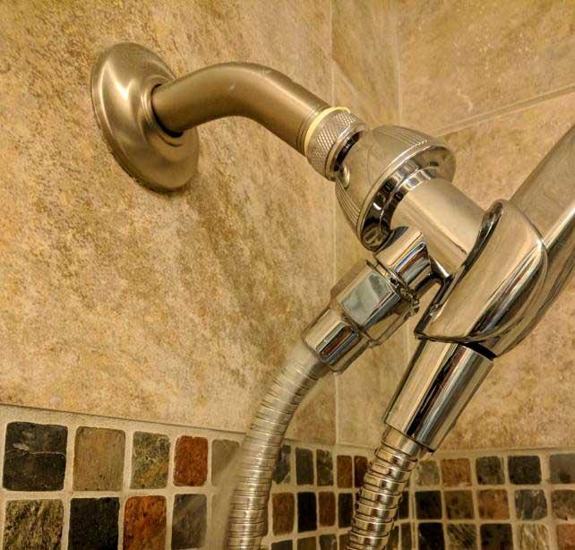 отремонтировать-душ-или-починить-шланг-от-душа