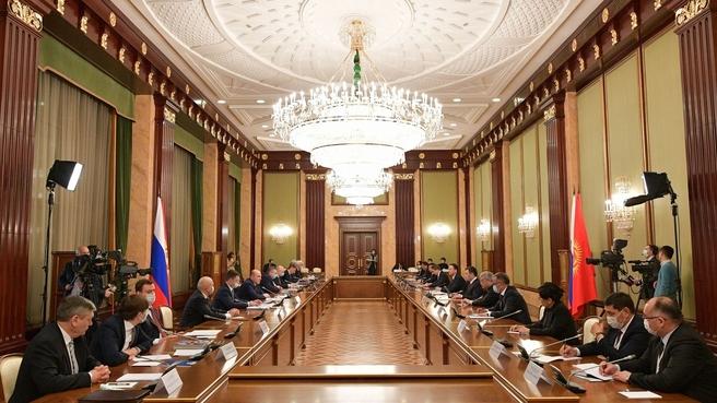 Встреча с Президентом Киргизской Республики Садыром Жапаровым