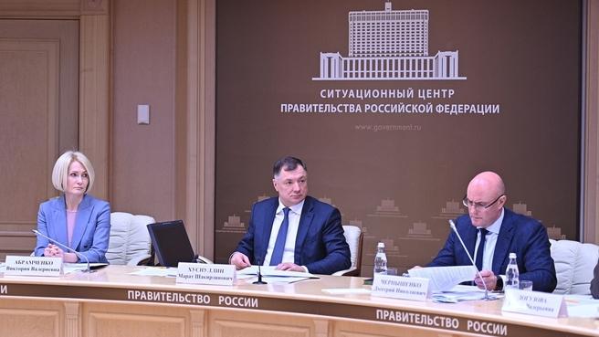 Виктория Абрамченко, Марат Хуснуллин и Дмитрий Чернышенко на совещании по развитию туризма и поддержке бизнес-инициатив Карелии