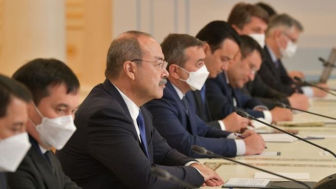 Беседа Михаила Мишустина с Премьер-министром Республики Узбекистан Абдуллой Ариповым