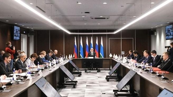 Дмитрий Чернышенко на заседании организационного комитета в Екатеринбурге