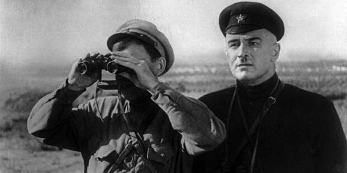 Кадр из фильма «Котовский». Режиссер А. Файнциммер. 1942 год