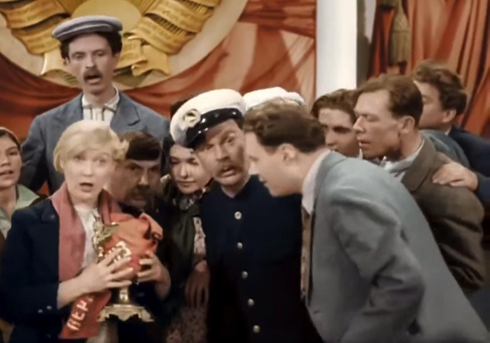 Кадр из фильма «Волга-Волга». Режиссер Г. Александров. 1938 год