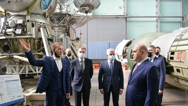 Осмотр экспозиции Центра космонавтики имени академика В.П.Мишина, корабль Л3 для посадки на Луну