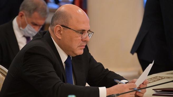 Ммихаил Мишустин во время подписания документов по итогам заседания Евразийского межправительственного совета