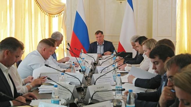 Марат Хуснуллин в рамках рабочей поездки в Республику Крым провёл совещание по вопросам социально-экономического развития региона
