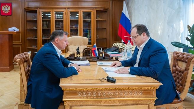 Марат Хуснуллин провёл рабочую встречу с губернатором Еврейской автономной области Ростиславом Гольдштейном