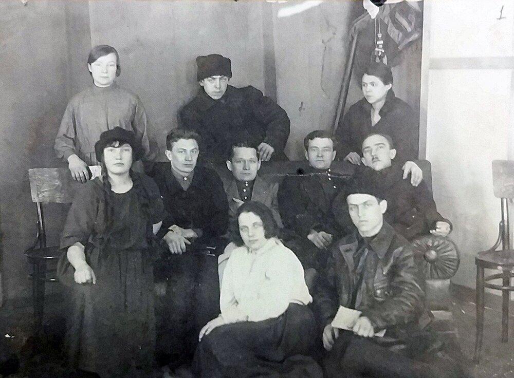 Делегаты от Шараповской волости на XIV Уездном съезде Сергиевской организации РЛКСМ 1 февраля 1926 года. Главархив Москвы
