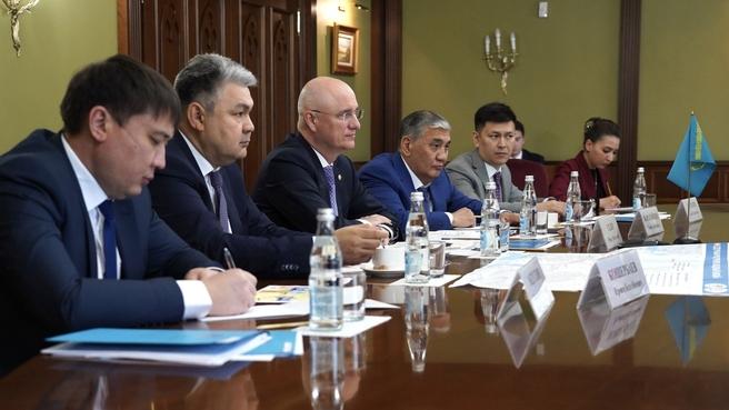 Марат Хуснуллин провёл рабочую встречу с Заместителем Премьер-министра Республики Казахстан Романом Скляром