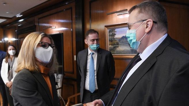 Рабочая встреча Алексея Оверчука и Вице-президента Всемирного банка по региону Европы и Центральной Азии Анны Бьерде