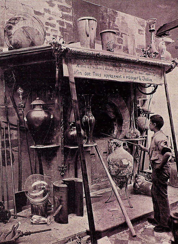 В мастерской Эмиля Галле. 1900 год