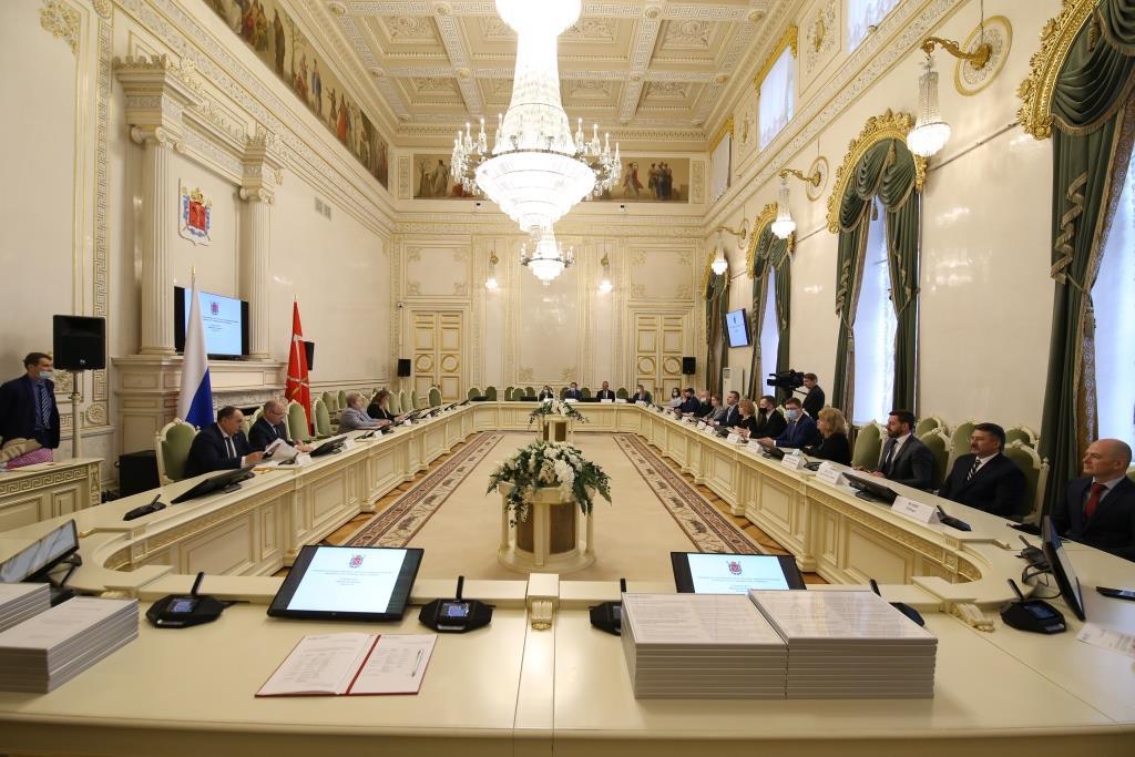 Торжественная церемония подписания положений Зеленого кодекса состоялась 27 апреля в Законодательном Собрании Санкт-Петербурга.