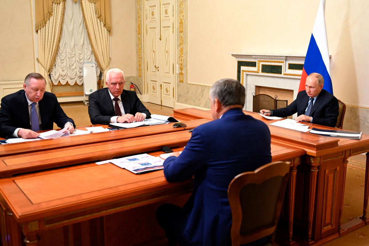 Губернатор Петербурга представил Президенту РФ город-спутник Южный как точку роста