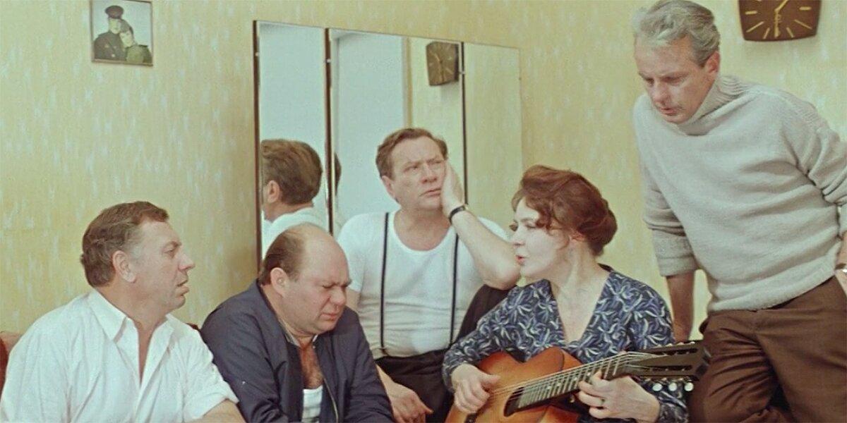 Кадр из фильма «Белорусский вокзал». Режиссер Андрей Смирнов. 1971 год
