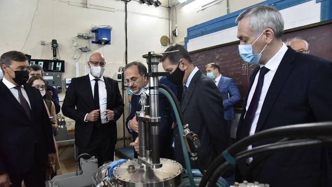 Дмитрий Чернышенко посетил Институт ядерной физики им. Г.И.Будкера