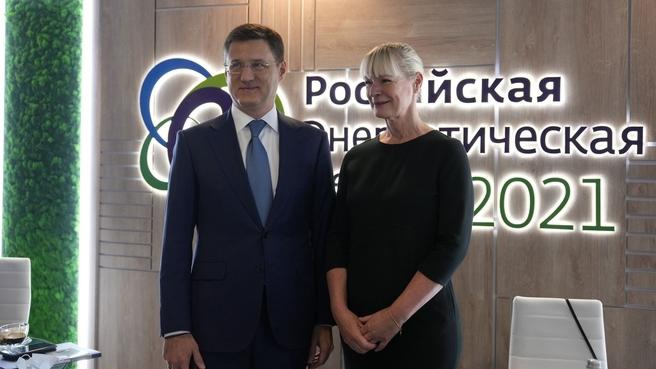 Александр Новак и Генеральный секретарь МИРЭС Анджела Уилкинсон