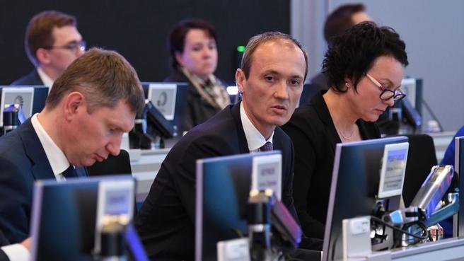 Дмитрий Григоренко на совещании по вопросу мониторинга реализации нацпроектов в Координационном центре Правительства